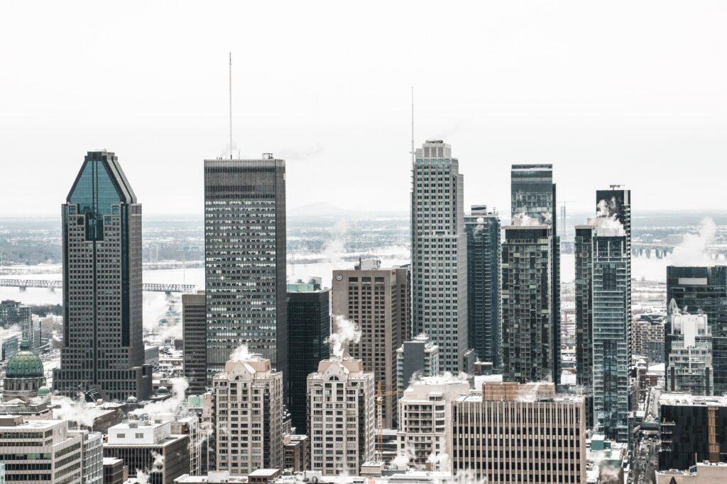Centre ville de Montréal sous la neige